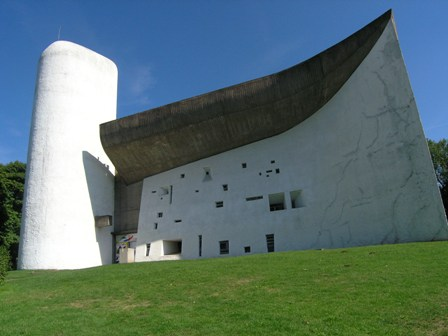 Contemporary Architecture at the service of monastic prayer
